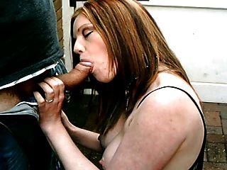 هولي قبلة، الشارع البريطاني عاهرة