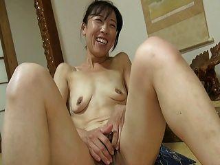 اليابانية فتاة البظر كبير 1