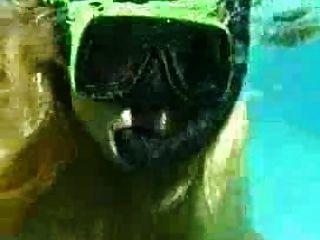 الجنس تحت الماء الفرنسية اللعنة زوجين