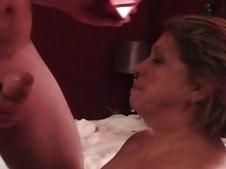 ناضجة كبير الثدي ملكة مارتي يحب مص الديك