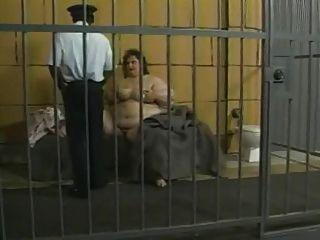 ssbbw في السجن