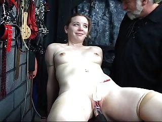 فتاة لطيف يحتاج التدريب أيضا 3