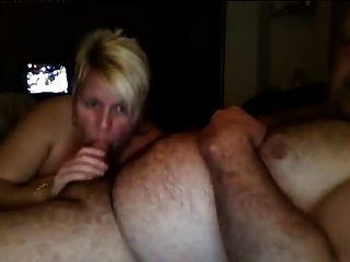 ناضجة الانجليزية زوجين تمتص واللعنة على كاميرا ويب