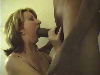زوجة البيضاء مص الديك ضخمة سوداء