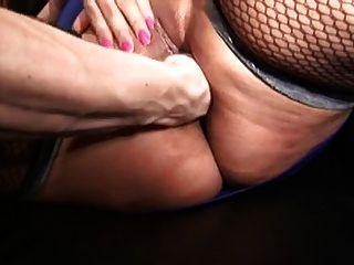 امرأة السمين مع كبير الثدي في الملاعين تخزين