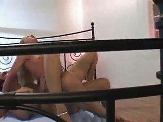 السلوفاكية فتاة مثيرة يحصل الجنس الشرجي في جوارب S88