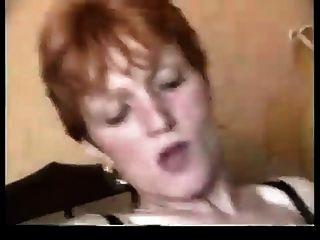جدة احمر الشعر يحب بي بي سي في الأحمق لها