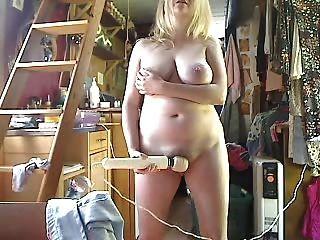 الثدي كبيرة على هذه الفتاة 2