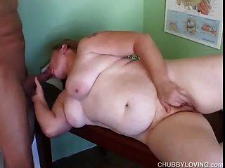 السمين أحمر الشعر الهواة يحصل بوسها الدهون يمسح ومارس الجنس