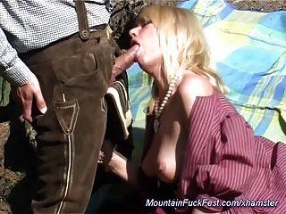الجبهة يحب الجنس الشرجي في الجبل