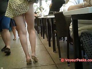 فستان حوصرت في حقيبتها الحمار الساخنة التي تتعرض لها من الجمهور!