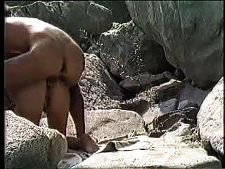 جماع الدبر زوجين الهواة على الشاطئ