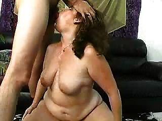 امرأة ناضجة مع جزء كبير الحمار 3