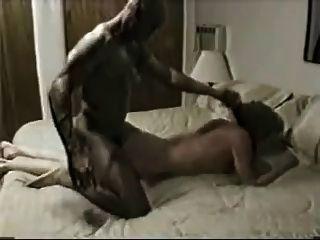 زوجة استغل من قبل الذكور السود أكثر صعوبة وانها cums في الكثير!