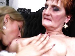 الجدة تعليم فتاة حب مثلية