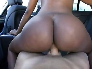 توني مارس الجنس في سيارة!