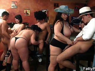 مجموعة BBW العربدة في حانة