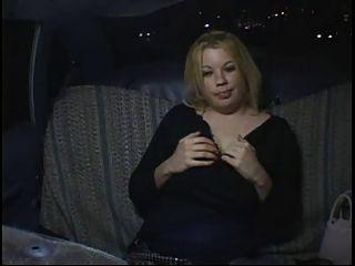 قرنية الدهون فتاة حزب السمين استمناء في سيارة أجرة