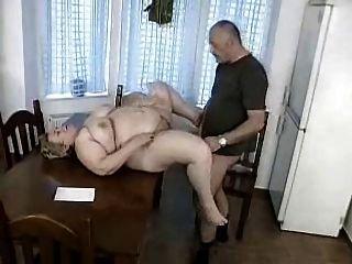 رجل يحصل اشتعلت الرجيج قبالة عن طريق الجدة BBW