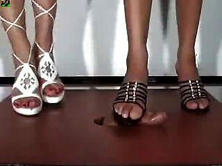 الأحذية طرف الكعب العالي