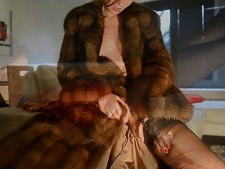الاستمناء في معطف الفرو zibeline والنايلون CERVIN خمر
