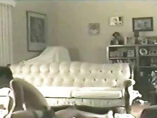 زوجة إيلين على أرضية غرفة المعيشة 2 (الديوث)