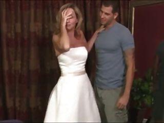 الامهات خطوة فستان الزفاف الخيالية
