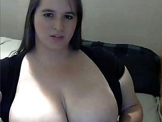 الدهون مع كبير الثدي استمناء على كاميرا ويب