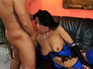 سيدة OMAS huren في الزرقاء