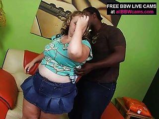 الاشقر BBW مدهش تمتص والملاعين الرجل الأسود كبير الثدي جزء 1