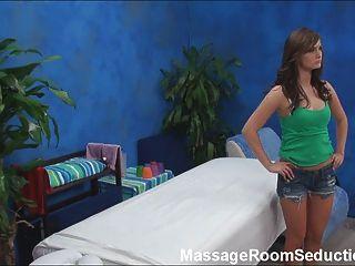 التدليك المعالج الملاعين الساخنة في سن المراهقة!