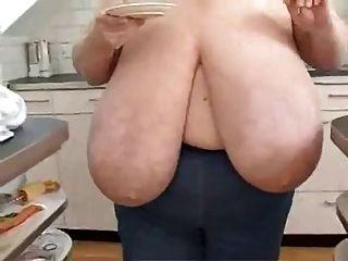 BBW ناضجة مع ضخمة الثدي
