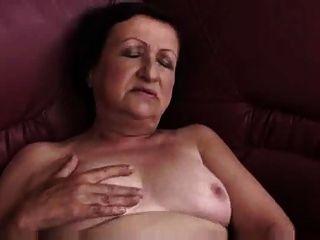 المسرحيات الجدة السمين والأصابع