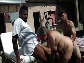 BBW الفرنسية مارس الجنس في الثلاثي