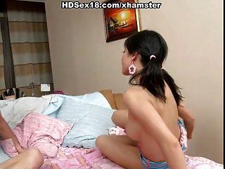 اللعنة الساخن لفتاة مع جسم مثير