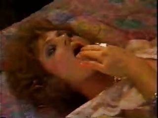 عمة الكلاسيكية الجنس من الصعب على السرير