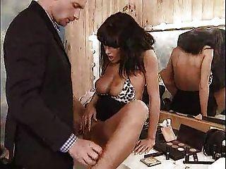 مارس الجنس أنيتا الصعب في غرفتها خلع الملابس ... F70