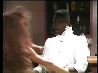 مثير امرأة سمراء عارية يريد الرجل الأسود الأعراق خمر