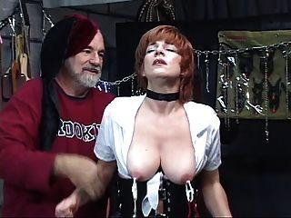 الساخن، أحمر الشعر ناضجة يحصل بوسها غازل مع، تمتص ديك في أرجوحة الجنس