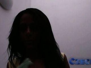 التشيكية أسود الشعر الجمال مارس الجنس اسلوب هزلي التي كتبها غريب