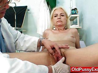 نحيف الجدة أهلب العلاج امرأة الطبيب