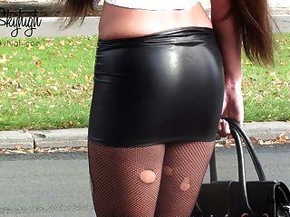 جولي skyhigh عاهرة دنة مكبل اليدين تنورة والبطن عارية