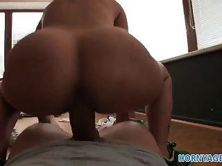 امرأة سمراء البريطانية hornyagent مارس الجنس من الصعب من قبل الديك التشيكية