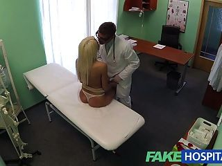 الأطباء توصية fakehospital ديها مثير شقراء ر دفع