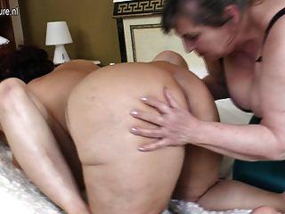 الامهات الناضجة ساخنة يمارس الجنس مع الجدة مثليه كبيرة