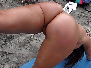 جبهة مورو مثير يبين لنا الأشياء الجيدة لها على الشاطئ