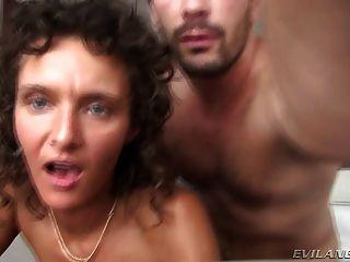 وقحة رائع الغش زوجها في فندق