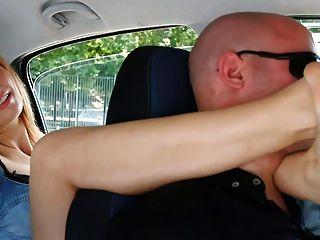 unp001 شقي السيارات الايطالية فتاة القدم خنق رجل