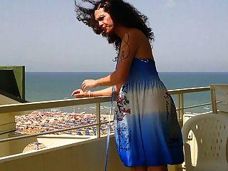 نيكي ladyboys فستان أزرق شرفة