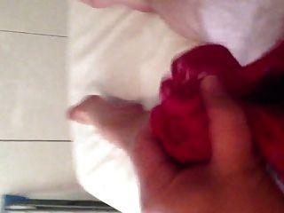 كومينغ في سراويل الوردي